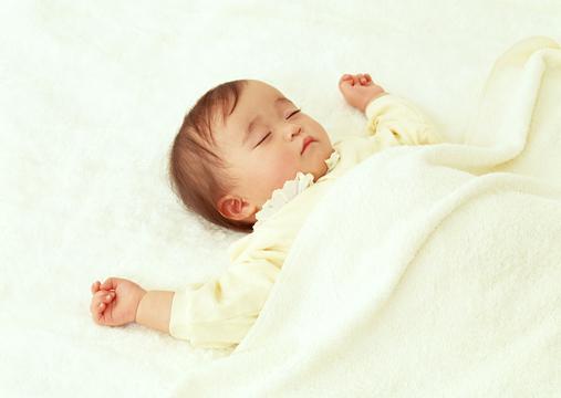 熟睡中的可爱宝宝