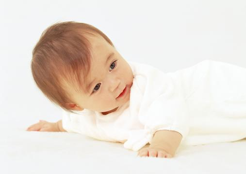 开心欢笑中的宝宝