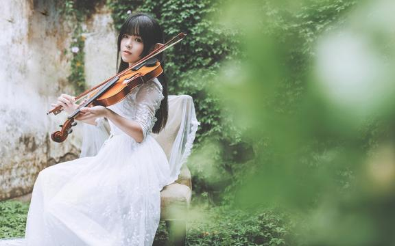 森林精灵唯美白纱裙户外写真