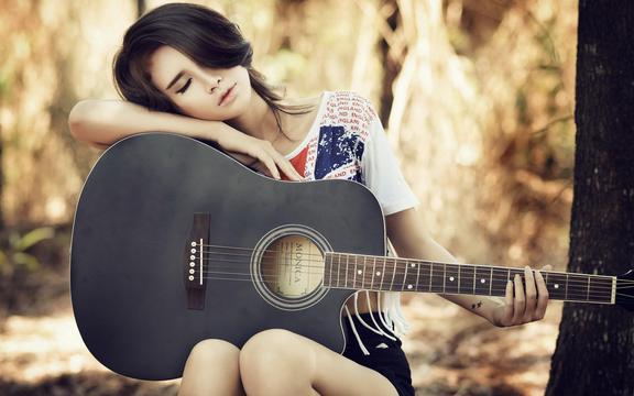 唯美吉他少女