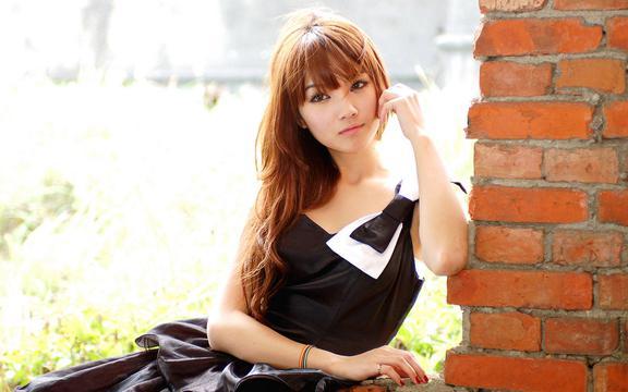台湾气质美女小品户外摄影