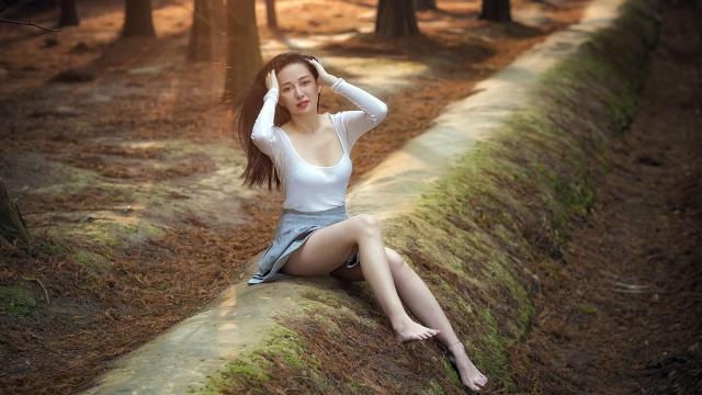 年轻漂亮的小姐姐时尚写真