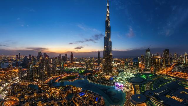 世界第一高楼-哈利法塔