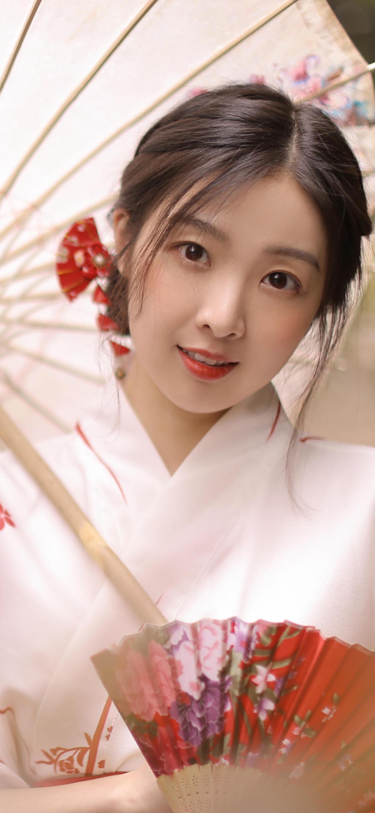 撑着伞的日本和服美少女