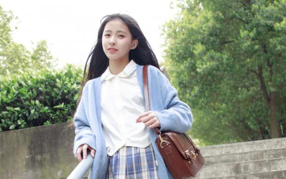 可爱清纯美少女室外小清新写真