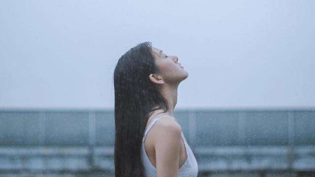 下雨天想念一个人到心痛