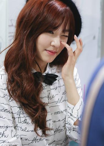 韩国女歌手黄美英