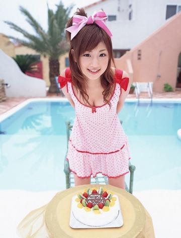 可爱的日本美女小仓优子巨乳写真