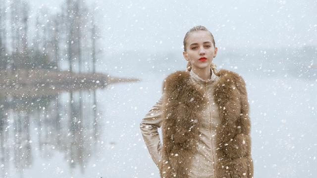 冬季里气质出众的欧洲美女