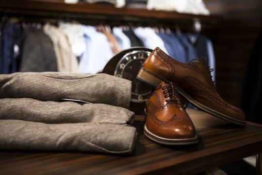 复古花纹皮鞋