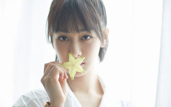 甜美邻家女孩杨紫写真