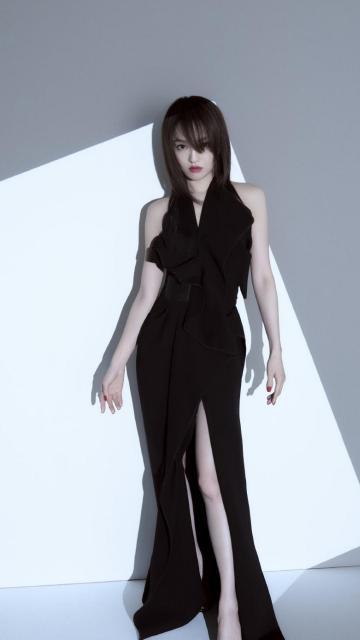 张韶涵优雅黑色长裙诱人写真