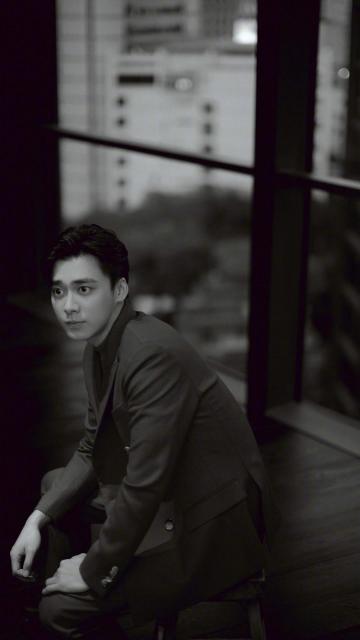 帅气有型西装男孩李易峰时尚写真