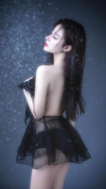 蕾丝透视短裙露背美女性感诱惑写真